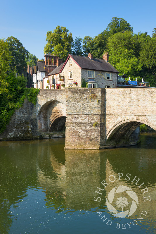 The Charlton Arms and Ludford Bridge at Ludlow, Shropshire, England.
