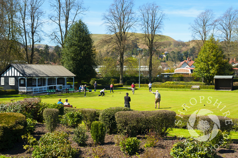 Playing bowls beneath the Long Mynd at Church Stretton, Shropshire, England.