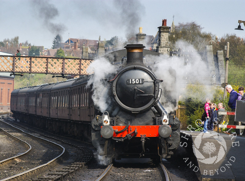 A GWR 1500 Class locomotive steams out of Bridgnorth Station,  Severn Valley Railway, Shropshire, England.