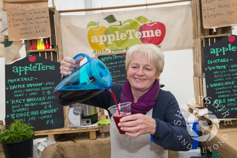 Jane Cullen of AppleTeme pouring a drink at the 2017 Ludlow Spring Festival.