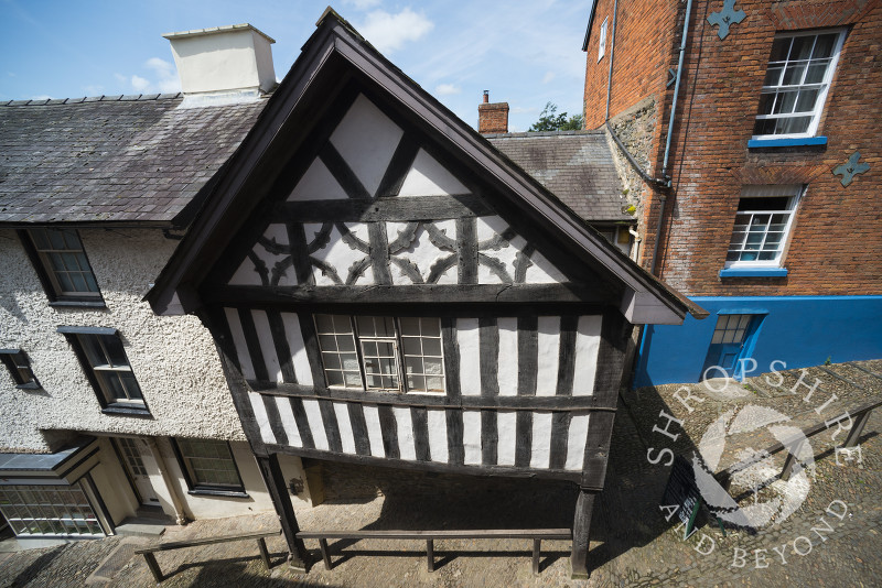 The House on Crutches in Bishop's Castle, Shropshire, England. This timber framed building dates back to Elizabethan times and houses an extensive social history collection.