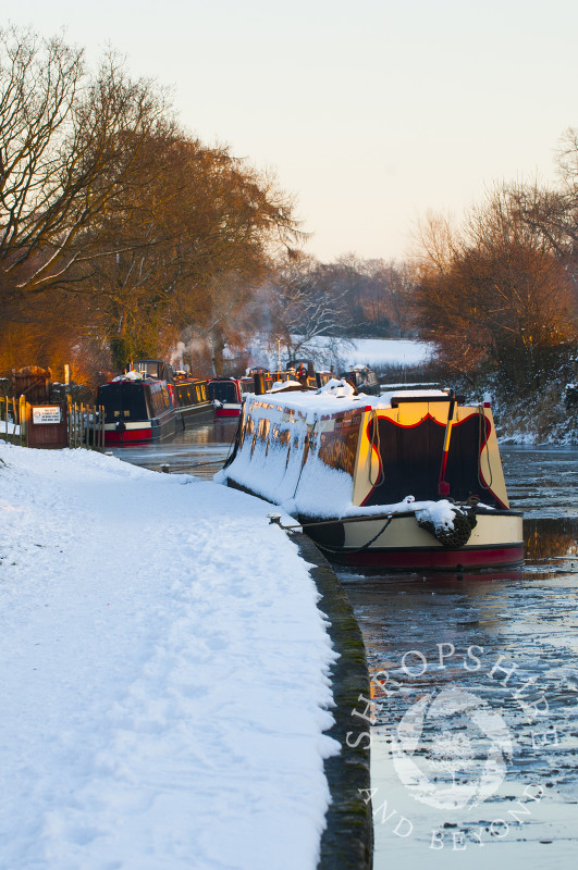 Winter on the Llangollen Canal at Ellesmere, Shropshire, England.