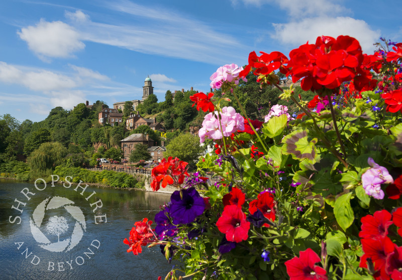 St Mary's Church overlooking the River Severn at Bridgnorth, Shropshire.