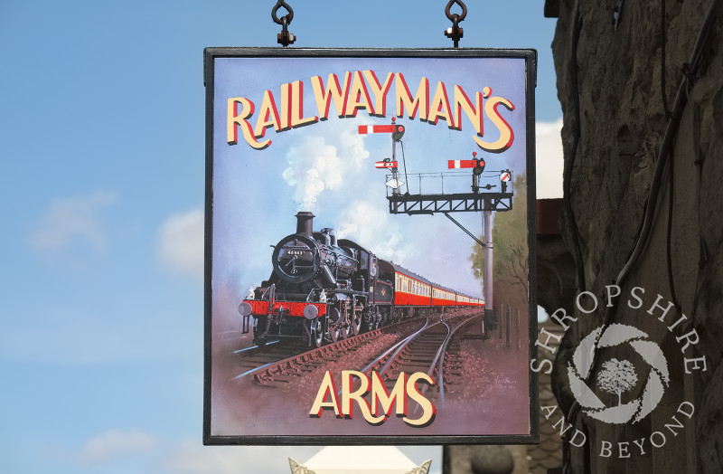 Railwayman's Arms pub sign on the platform at Bridgnorth Station, on the Severn Valley Railway line, Shropshire, England.
