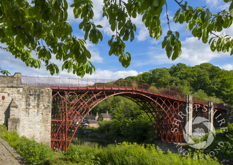 The Iron Bridge, over the River Severn, at Ironbridge, Shropshire.