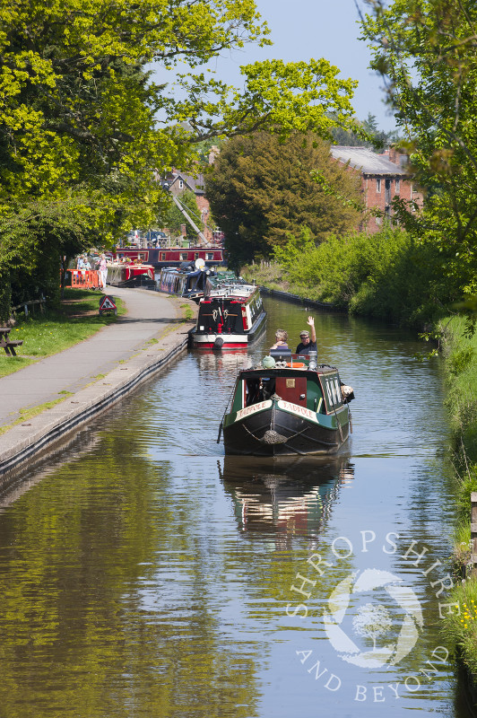 Canal boats on the Llangollen Canal at Ellesmere Wharf, Shropshire, England.